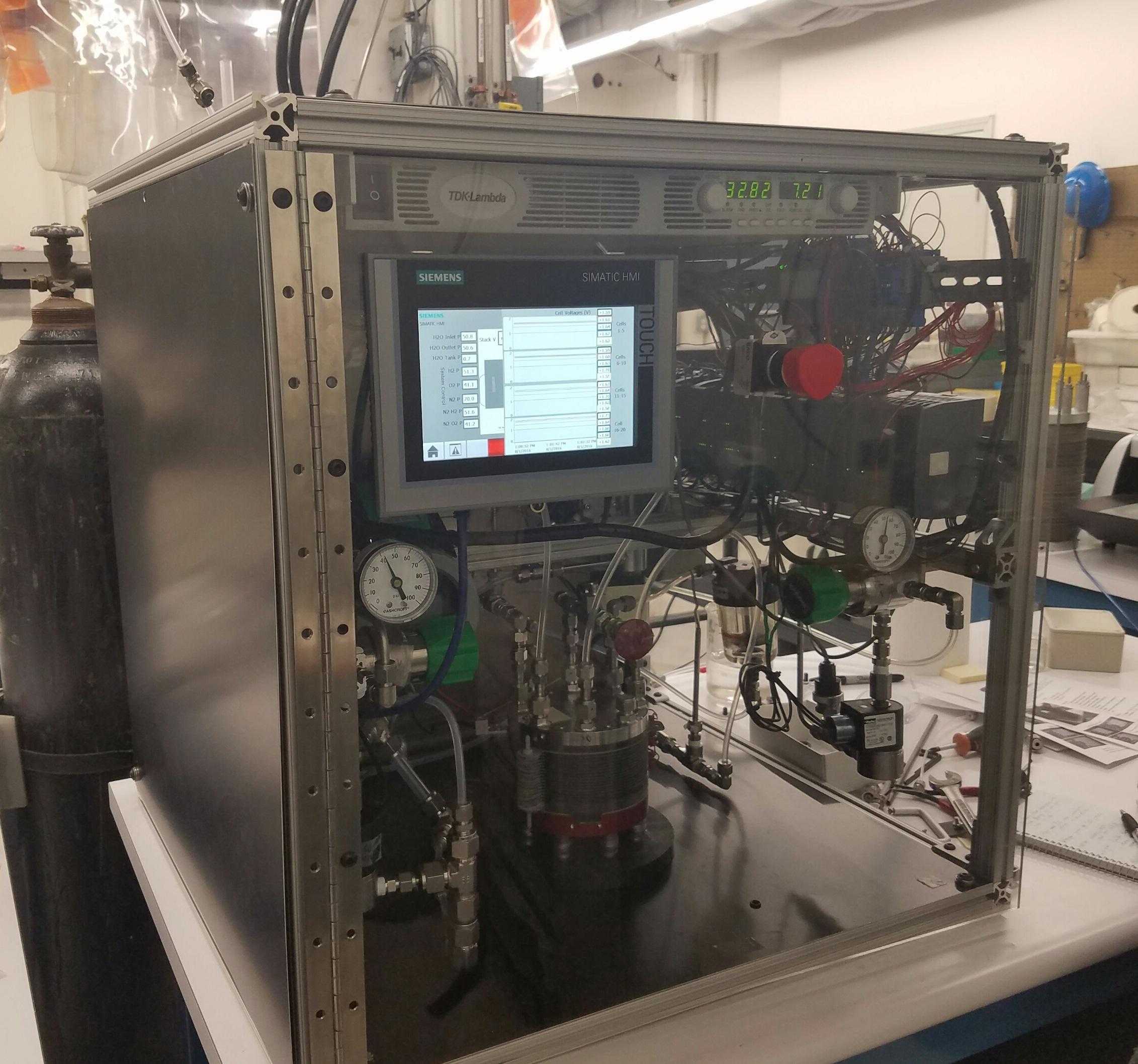 Giner Static Vapor Electrolyzer System
